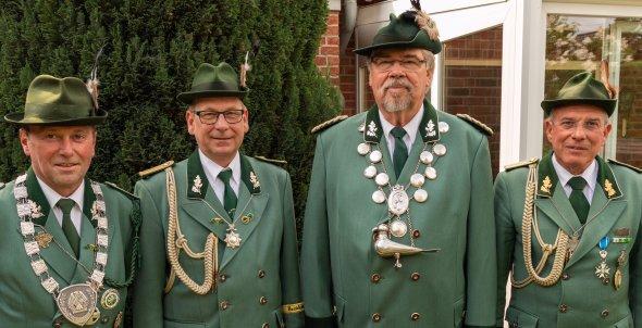 Königshaus 2018 mit Ehrenkönig